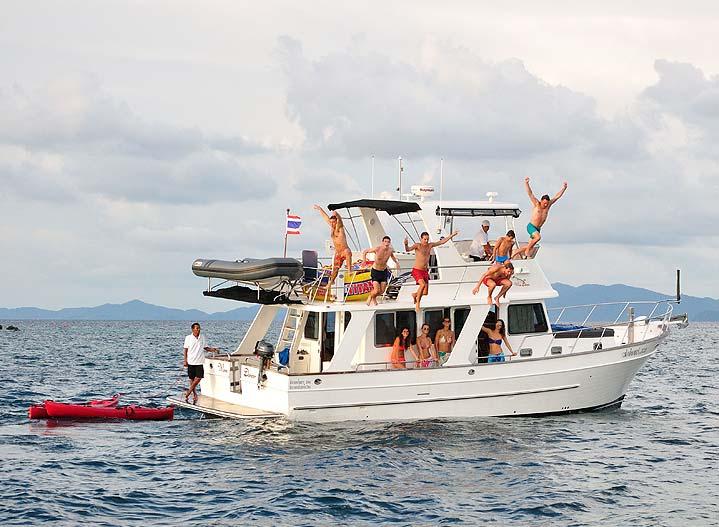 Jumpning, swimming and snorkeling in Phuket